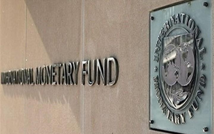 ΔΝΤ: Καταστροφικό το Grexit - Το βασικό σενάριο είναι η παραμονή της Ελλάδας στο ευρώ
