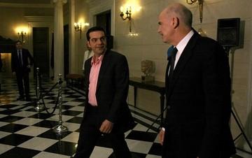 Παπανδρέου: Στόχος να παραμείνει η Ελλάδα όρθια