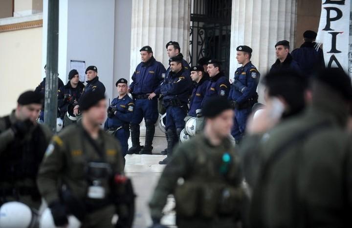 Έληξε η κατάληψη της Πρυτανείας μετά την επέμβαση της αστυνομίας