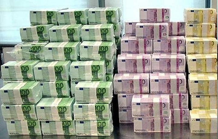 Spiegel: Δώστε στην Ελλάδα όσα χρήματα χρειάζεται και μετά αφήστε την στην ησυχία της