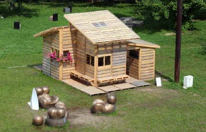 Ένα ξύλινο σπίτι που όλοι θα θέλαμε να έχουμε - Το απίστευτο ότι μπορείς να το φτιάξεις μόνος σου!