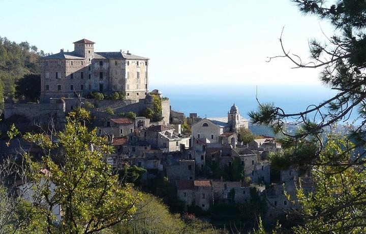 Το χωρίο-φάντασμα της Ιταλίας που είναι εγκαταλελλειμένο εδώ και 60 χρόνια