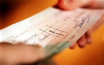 Αυξήθηκαν οι ακάλυπτες επιταγές και οι απλήρωτες συναλλαγματικές τον Μάρτιο