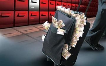 Bloomberg View: Μέσα σε ένα εξάμηνο έχουν φύγει από την Ελλάδα 62 δισ. ευρώ