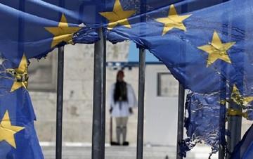 Bloomberg: Το πάρτι του ευρώ τελείωσε για την Ελλάδα - Αφήστε την να φύγει