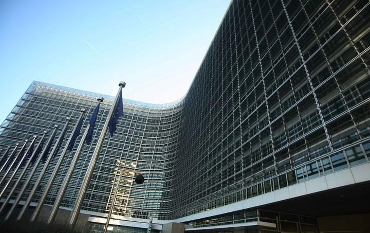 Κομισιόν: Οι Βρυξέλλες κρατούν αποστάσεις στην απόφαση για τα αποθεματικά