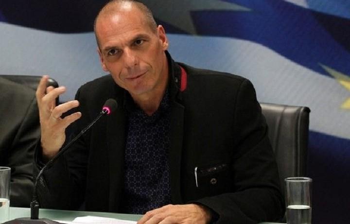 Βαρουφάκης:«Η κυβέρνηση αντιμετωπίζει πραξικόπημα- όχι με τανκς, όπως το 1967-αλλά μέσω των τραπεζών»