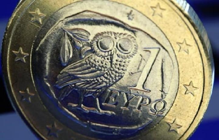 Τα σενάρια περί συμφωνίας Ελλάδας - δανειστών ενισχύουν το ευρώ