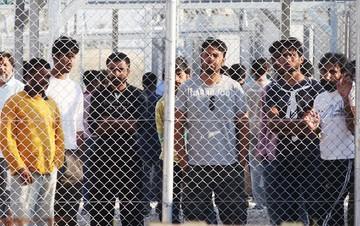 Έγγραφο «φωτιά» για το μεταναστευτικό - Υπογράφουν 58 διεθνούς φήμης προσωπικότητες