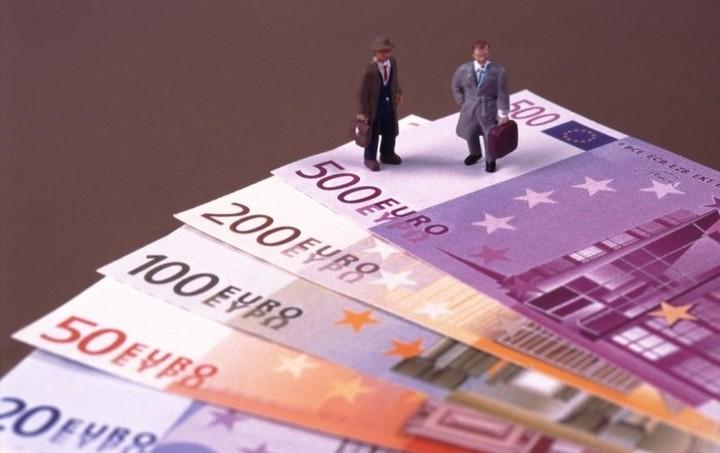 Τα 32 δισ. ευρώ άγγιξε ο εσωτερικός δανεισμός το πρώτο τρίμηνο του 2015