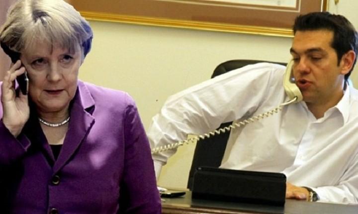 FAZ: «Ο Τσίπρας παρακάλεσε τη Μέρκελ για χρήματα από το τηλέφωνο»