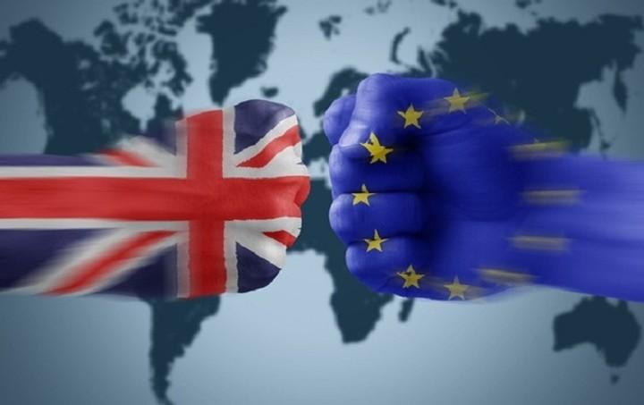 Ένα Brexit θα κόστιζε ακριβά στην Ευρώπη