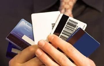 Η «έξυπνη» κάρτα που θα αντικαταστήσει όλες τις πιστωτικές κάρτες