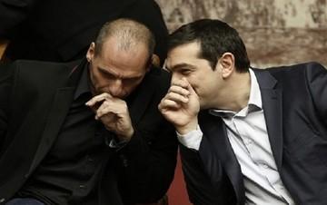 Σκληρό άρθρο: Βαρουφάκης... ο άνθρωπος που πήρε στο λαιμό του τον Τσίπρα!