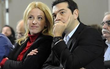 Ολοκληρώθηκε η συνάντηση του Αλ. Τσίπρα με τη Ρένα Δούρου
