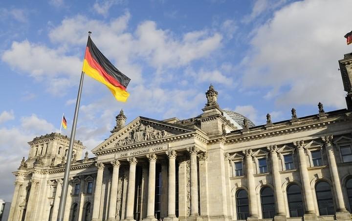 Die Welt: «Ένα Grexit θα ταπείνωνε τη Γερμανία στην Ευρώπη»