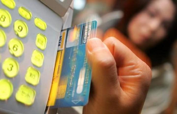 Δείτε τις περιοχές της Ελλάδας όπου οι συναλλαγές θα γίνονται υποχρεωτικά με κάρτα (λίστα)