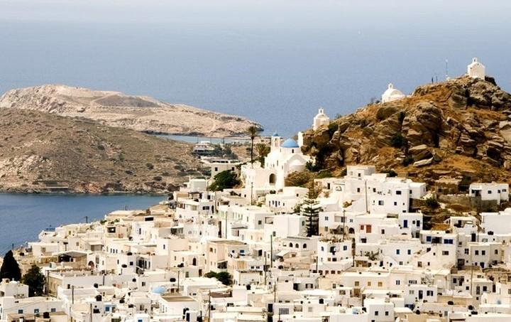 Επτά ελληνικά νησιά μεταξύ των δέκα κορυφαίων για το 2015 - Δείτε ολόκληρη τη λίστα