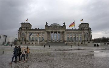 Γερμανικό ΥΠΟΙΚ: Αναμένουμε επιτάχυνση των συνομιλιών Αθήνας - εταίρων