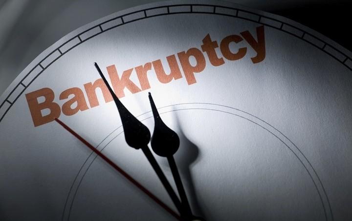 Die Zeit: Οι οίκοι προειδοποιούν για αυξημένο κίνδυνο χρεοκοπίας της Ελλάδας