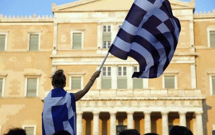 La Stampa: Βερολίνο και Φρανκφούρτη εξετάζουν τη χρεοκοπία της Ελλάδας εντός του ευρώ