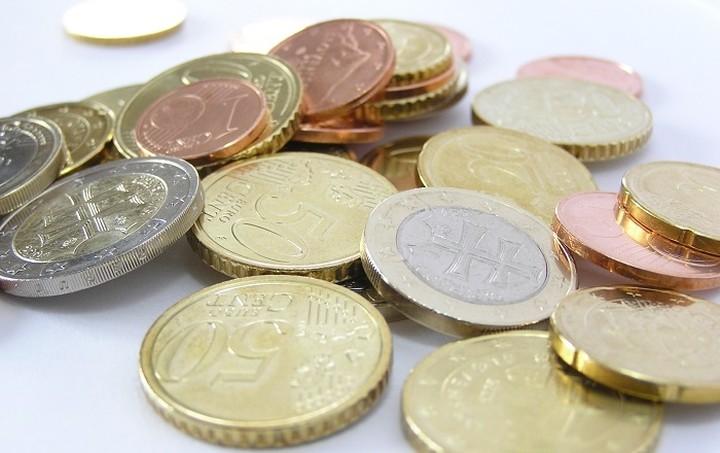 Σε ανοδική πορεία το ευρώ