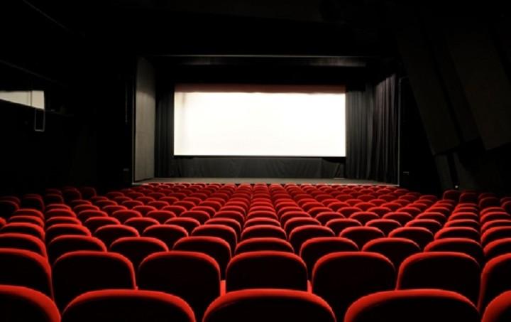 Αυτά είναι τα πιο περίεργα θερινά σινεμά του πλανήτη