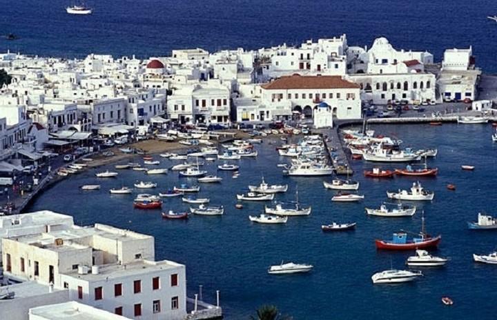 Επτά ελληνικά νησιά στο top10 της Trivago