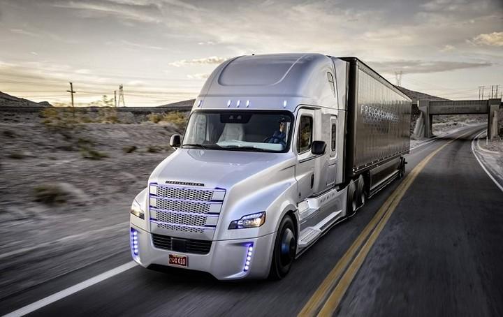 Αυτό είναι το πρώτο high-tech φορτηγό αυτόνομης οδήγησης με άδεια κυκλοφορίας!