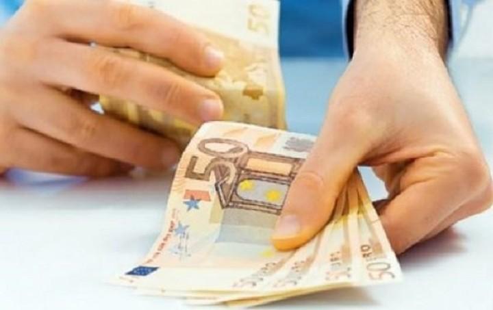 Στα 200 με 300 ευρώ η κύρια σύνταξη με ρήτρα μηδενικού ελλείμματος