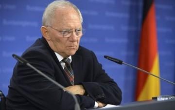 Σόιμπλε: Εάν η Ελλάδα χρειάζεται δημοψήφισμα ας το κάνει