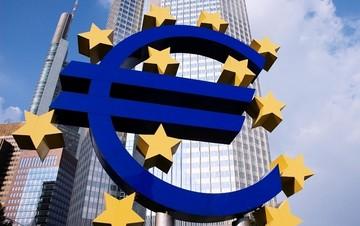 Bloomberg: Η ΕΚΤ δεν θα περιορίσει τη χρηματοδότηση στις ελληνικές τράπεζες