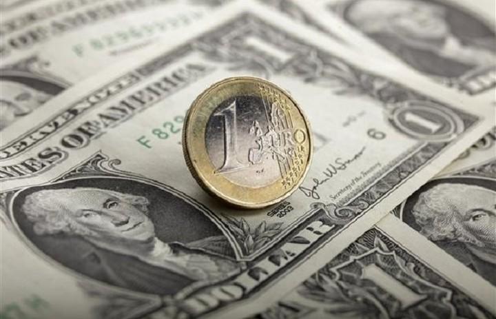 Ενίσχυση του ευρώ απέναντι στο δολάριο