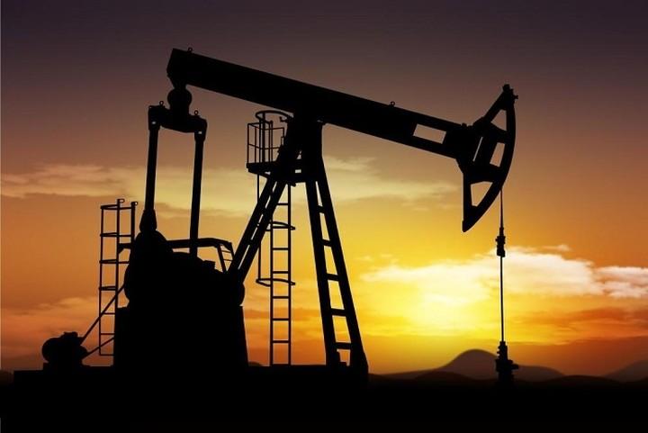 Ανοδική πορεία για το πετρέλαιο μετά τη μείωση των αμερικανικών αποθεμάτων