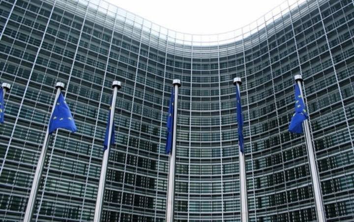 Bloomberg: Οι δανειστές ζητούν από την Ελλάδα μέτρα ύψους 3 δισ. ευρώ