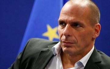 Βαρουφάκης στον Economist: Η Ελλάδα αν δεν μεταρρυθμιστεί θα βουλιάξει