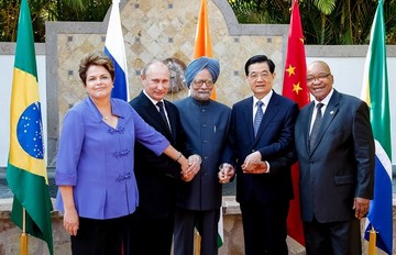Η ελληνική είσοδος στην BRICS δεν θα συζητηθεί πριν από τη Σύνοδο Κορυφής τον Ιούλιο