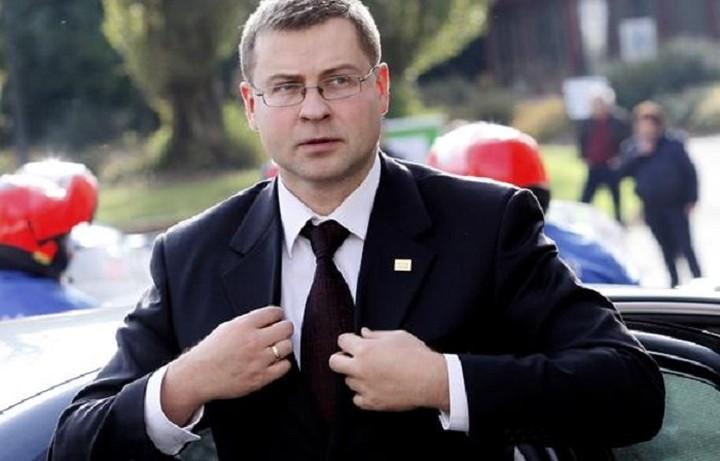 Ντομπρόβσκις: Μόνο με μεταρρυθμίσεις μπορεί να δοθεί η επόμενη δόση στην Ελλάδα