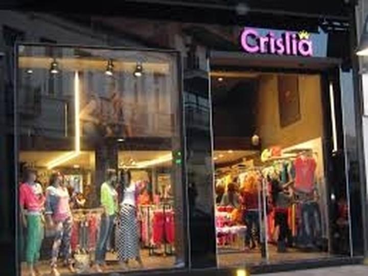Πώς θα ανοίξεις το δικό σου επώνυμο κατάστημα ρούχων