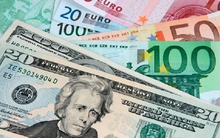 Συνάλλαγμα: Στα 1,1410 δολάρια το ευρώ