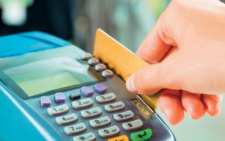Το σχέδιο της κυβέρνησης για τον ΦΠΑ - Τι κερδίζουν και τι χάνουν οι καταναλωτές