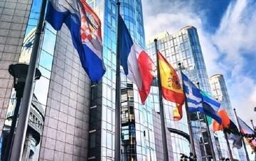 Μια μέρα πριν τη σύνοδο της Ρίγας συνεδριάζει το Brussels Group