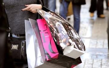 Στο υψηλότερο επίπεδο των τελευταίων 6 ετών η καταναλωτική εμπιστοσύνη στην Ελλάδα