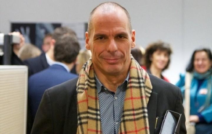 Βαρουφάκης στο Channel 4: Προτεραιότητα οι μισθοί και οι συντάξεις και μετά το ΔΝΤ