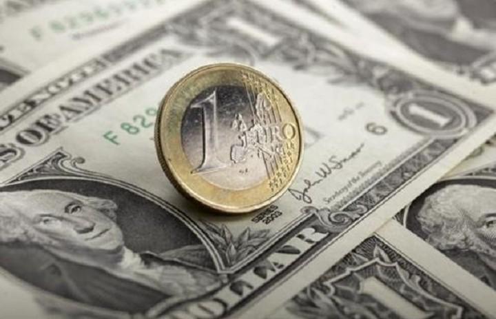 H ενδεικτική ισοτιμία ευρώ-δολαρίου διαμορφώθηκε στα 1,1133 δολ