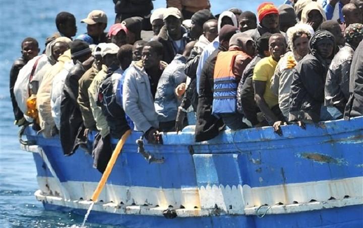Κομισιόν: Σχέδιο μετεγκατάστασης 40.000 μεταναστών από Ελλάδα και Ιταλία