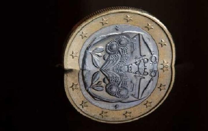 CNBC: Το 60% θεωρεί πως η κατάσταση στην Ελλάδα θα επηρεάσει το ευρώ