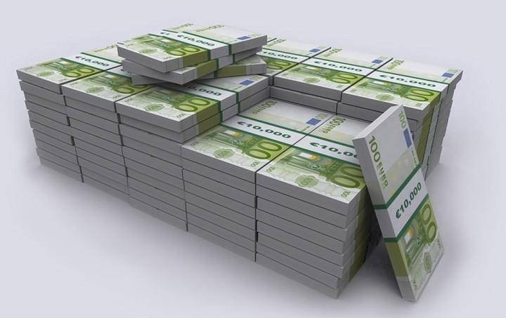 Reuters: Βουτιά κάνει το ευρώ στις αγορές