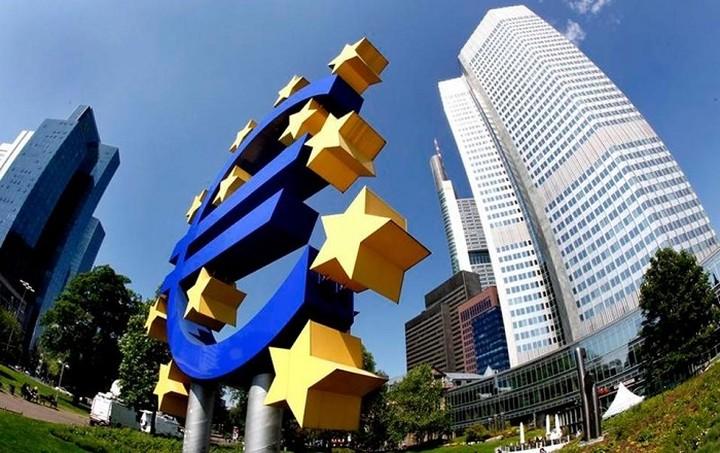 Προειδοποίηση ΕΚΤ: Κίνδυνος αποσταθεροποίησης λόγω της ελληνικής κρίσης