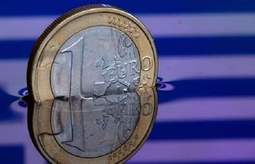 Bloomberg: Παράλληλο νόμισμα για την Ελλάδα, όπως η Κούβα